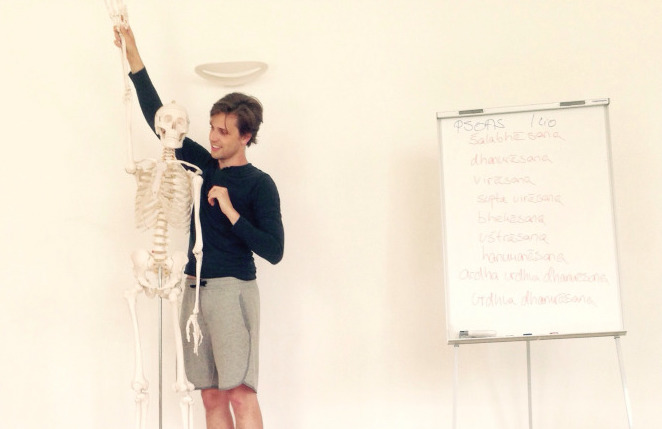 Yoga Assist Workshop bei Moritz Ulrich